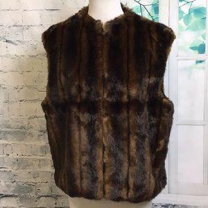 Nine West faux fur vest L
